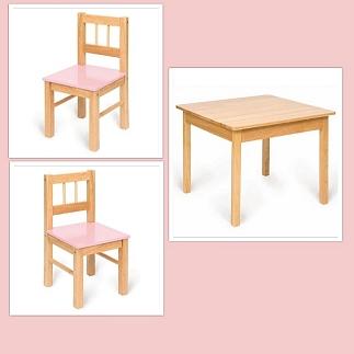 Houten tafel met 2 stoelen roze