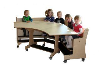 tafel met hoekbank verrijdbaar 7-8- zitpl.