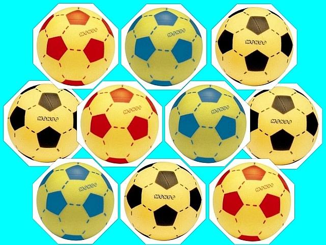 Set van 10 foam voetballen