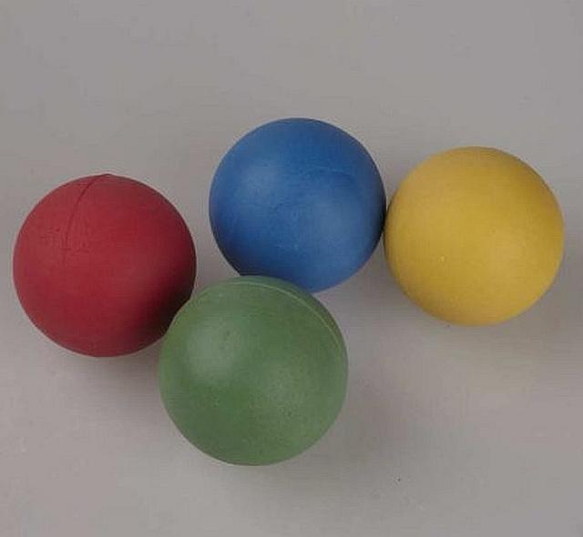 Moss rubber throwing balls set van 12 stuks